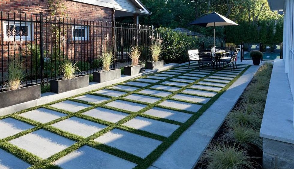 12-Ways-to-Make-Your-Clients-Backyard-Seem-Bigger-1.jpg