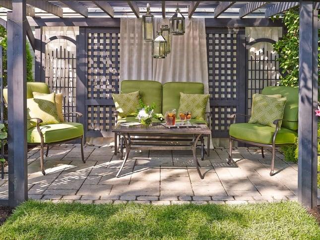 12-Ways-to-Make-Your-Clients-Backyard-Seem-Bigger-4-1024x769.jpg