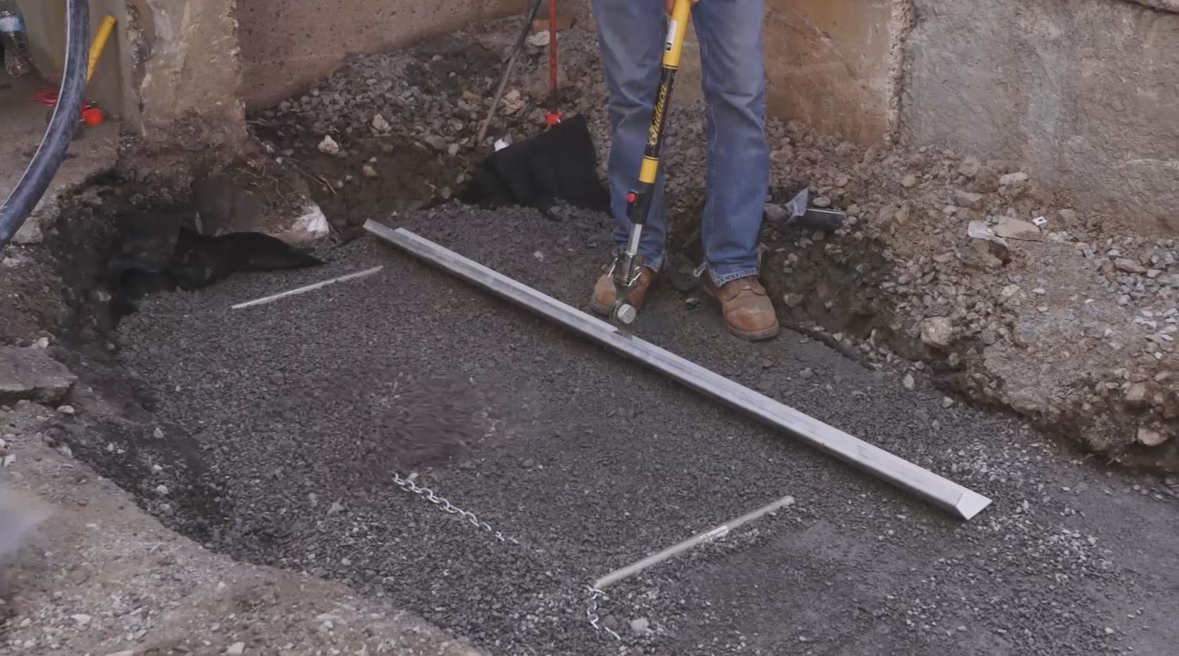 wall screed system